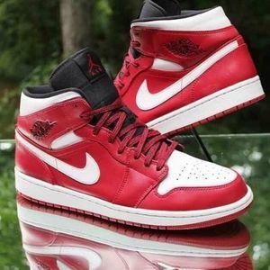 Nike Air Jordan 1 Mid Gym Red/White/Black Chicago